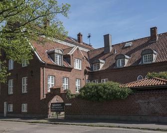 Halmstad Hotell & Vandrarhem Kaptenshamn - Гальмстад - Building