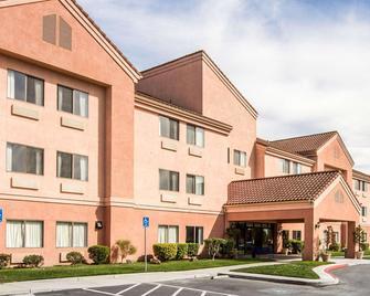 Rodeway Inn - Watsonville - Building