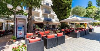 Hotel Dubrovnik - Dubrovnik - Patio