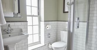 Swan Hotel Thaxted by Greene King Inns - Great Dunmow - Bathroom