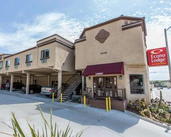 Econo Lodge Inn & Suites Fallbrook Downtown - Fallbrook - Building