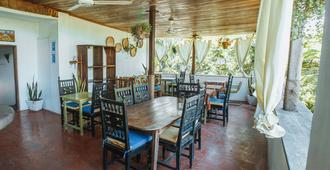 Retro - Zanzíbar - Restaurante