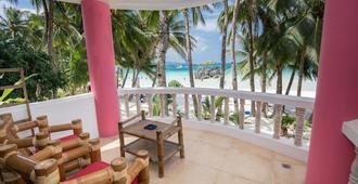 Nigi Nigi Too Beach Resort - Boracay - Ban công