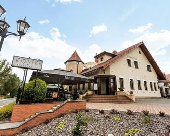 Hotel Krzyski - Tarnów - Gebäude