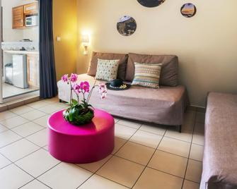 Residence Tropic Appart'hotel - Saint-Paul - Wohnzimmer