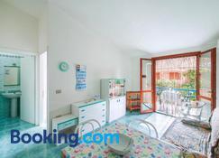 Appartamenti Simius - Villasimius - Sala de estar