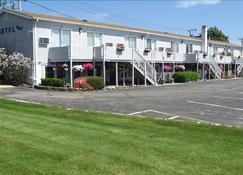 Sea Whale Motel - Middletown - Rakennus