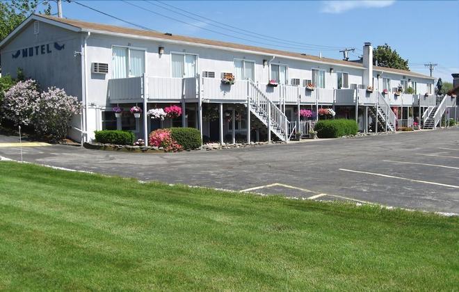 Sea Whale Motel - Middletown - Κτίριο