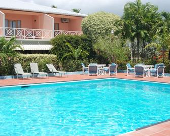 Rovanel's Resort and Conference Centre - Crown Point - Pool
