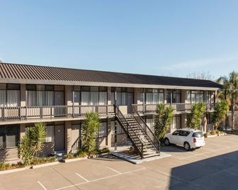 Best Western Governor Gipps Motor Inn - Traralgon - Building