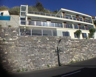 Guesthouse The View (Adults Only) - Ribeira Brava - Building
