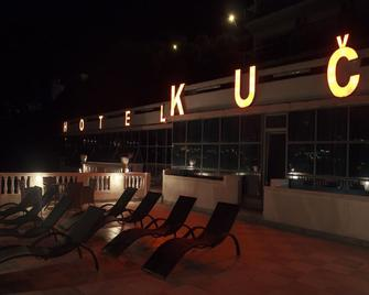 Hotel Kuc - Sveti Stefan - Patio