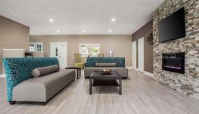 Quality Inn & Suites University Area - Charlotte - Living room