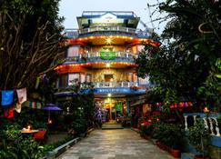 The Silver Oaks Inn - Pokhara - Building