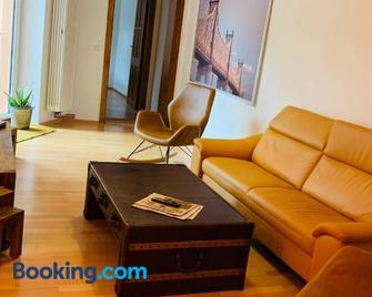 Moderne Wohnung in Eberswalde - Eberswalde - Wohnzimmer