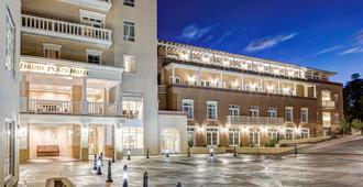 Drury Plaza Hotel in Santa Fe - Santa Fe - Building