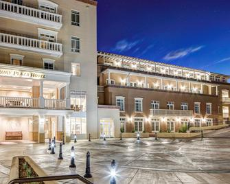 Drury Plaza Hotel in Santa Fe - Santa Fe - Edificio