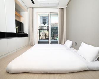 World State Residence - Sokcho - Bedroom