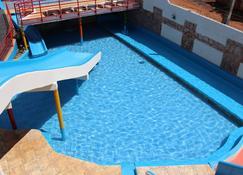 必嘉波酒店 - 卡達斯諾瓦斯 - 游泳池