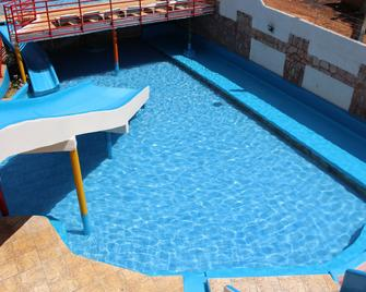 Bica Pau Hotel Thermas - Caldas Novas - Bể bơi