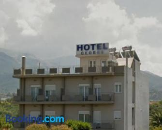 Hotel Georgios - Río - Gebäude