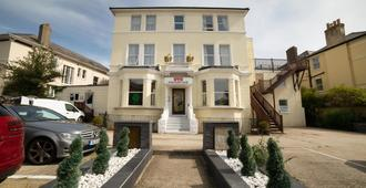 OYO Eagle House Hotel - Hastings - Bina