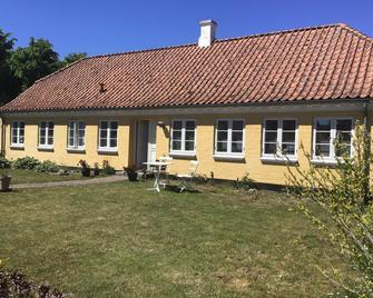 Rosegarden Comfort B&B - Ærøskøbing - Building