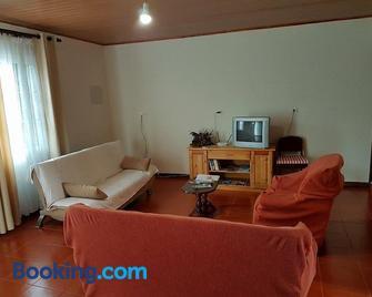 Casa de Férias Morena Santa Cruz Madeira - Santa Cruz (Madeira) - Living room