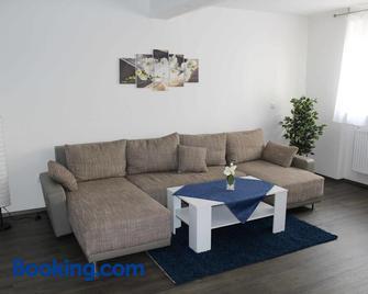 Ferienwohnung Mond - Landstuhl - Living room