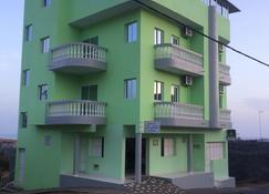 Pensão Motel Sodade - São Filipe - 建築