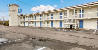 Motel 6 Beaumont, TX - Beaumont - Building