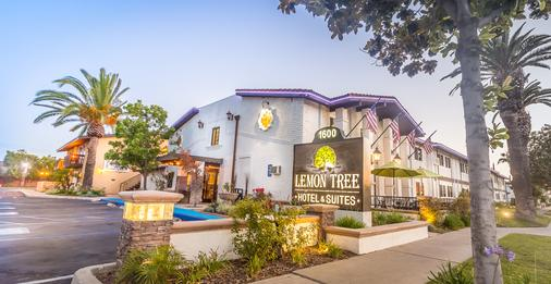 Lemon Tree Hotel & Suites Anaheim - Anaheim - Building