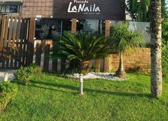 La Naila Praia Pousada - Bertioga - Building