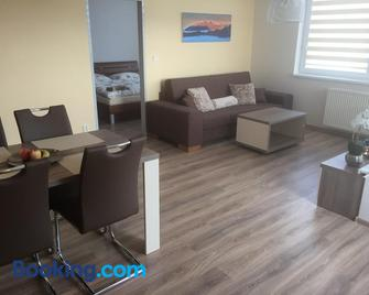 Apartment 77 - Штрбське плесо - Living room