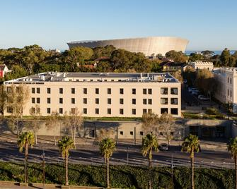 Protea Hotel by Marriott Cape Town Waterfront Breakwater Lodge - Cape Town - Building