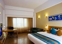 Lemon Tree Hotel, East Delhi Mall, Kaushambi - Ghāziābād - Bedroom