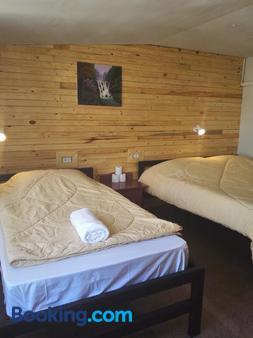 高塔姆 2 號餐廳 及青年旅舍 - 布吉 - 普吉 - 臥室