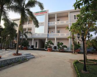 Ven Song Riverside Hotel - Xuyên Mộc - Edificio