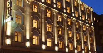 Hotel Wloski - Posen - Gebäude