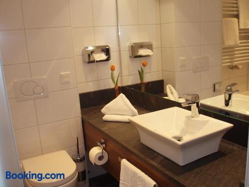 Hotel Doctor Weinstube - Bernkastel-Kues - Bathroom
