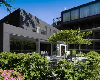 Sevenoaks - Cloppenburg - Building