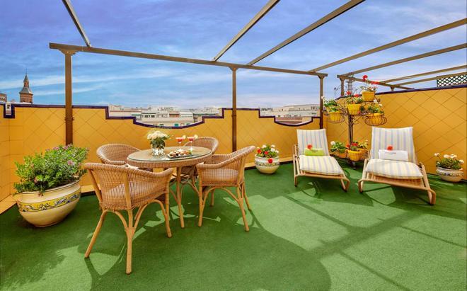 Sercotel Gran Hotel Conde Duque - Madrid - Balcony