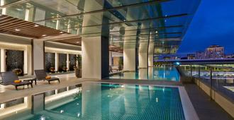 V E Hotel & Residence - Kuala Lumpur - Piscina