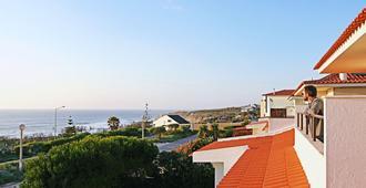 Blue Buddha Beach House - Ericeira - Vista del exterior
