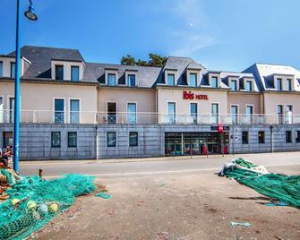 ibis Bayeux Port-en-Bessin - Port-en-Bessin-Huppain - Building