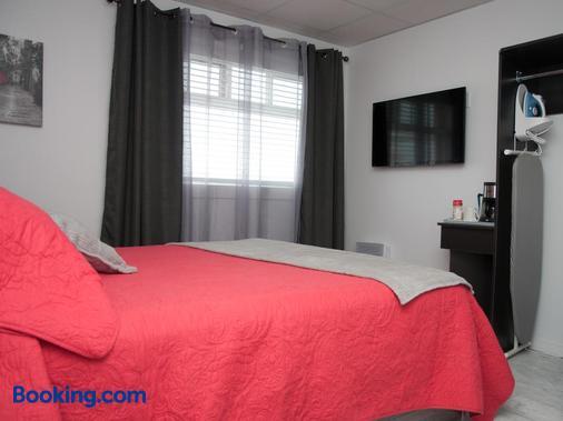 Hotel Le Plaza - La Baie - Bedroom