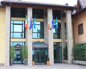 Sole della Franciacorta - Hotel & Restaurant - Capriolo - Building