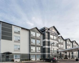 Microtel Inn & Suites by Wyndham Fort St John - Fort Saint John - Gebouw