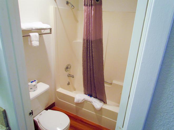 溫哥華 6 號汽車旅館 - 溫哥華 - 溫哥華 - 浴室