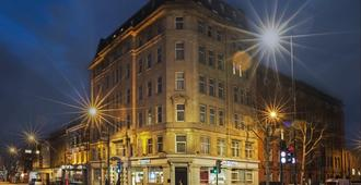 Point A Hotel London Kings Cross - לונדון - בניין